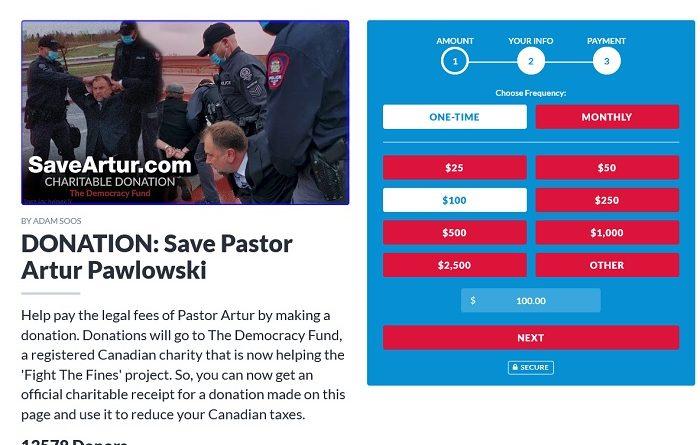 卡尔加里街头传教士阿图尔·波洛斯基(Artur Pawlowski)因违反公共卫生禁令被捕